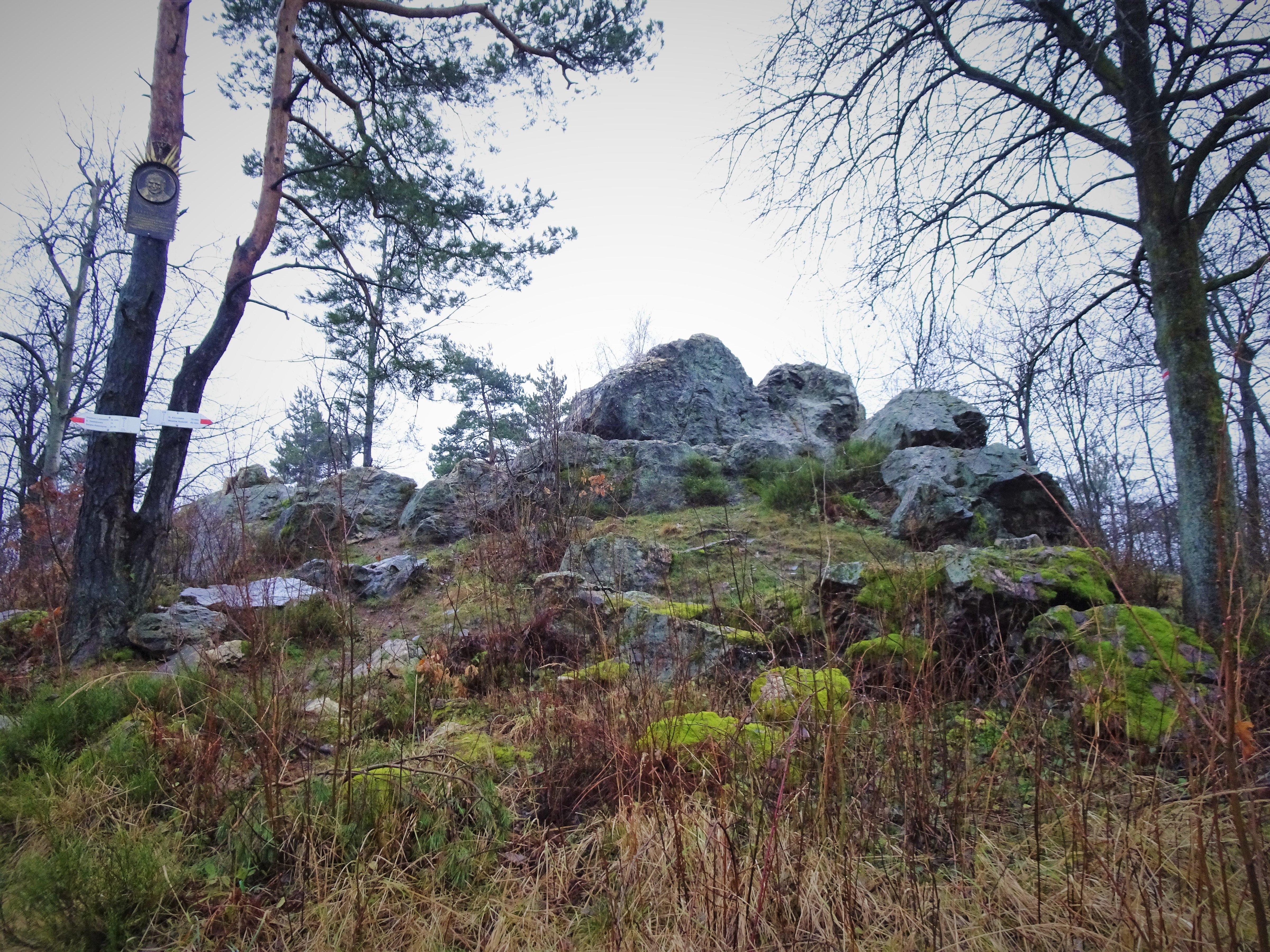 Diabelski Kamień, kilka Gór oraz poszukiwanie zaginionego ośrodka narciarskiego